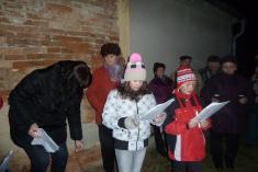 Zpívání u vánočních stromečků 2013