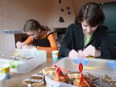 Zdobení perníčků  sRůženkou 24.11. 2012