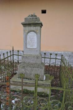 Původní stav podstavce sochy Sv.Jana Nepomuckého vOseku